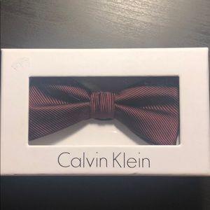 Calvin Klein maroon clip bow tie